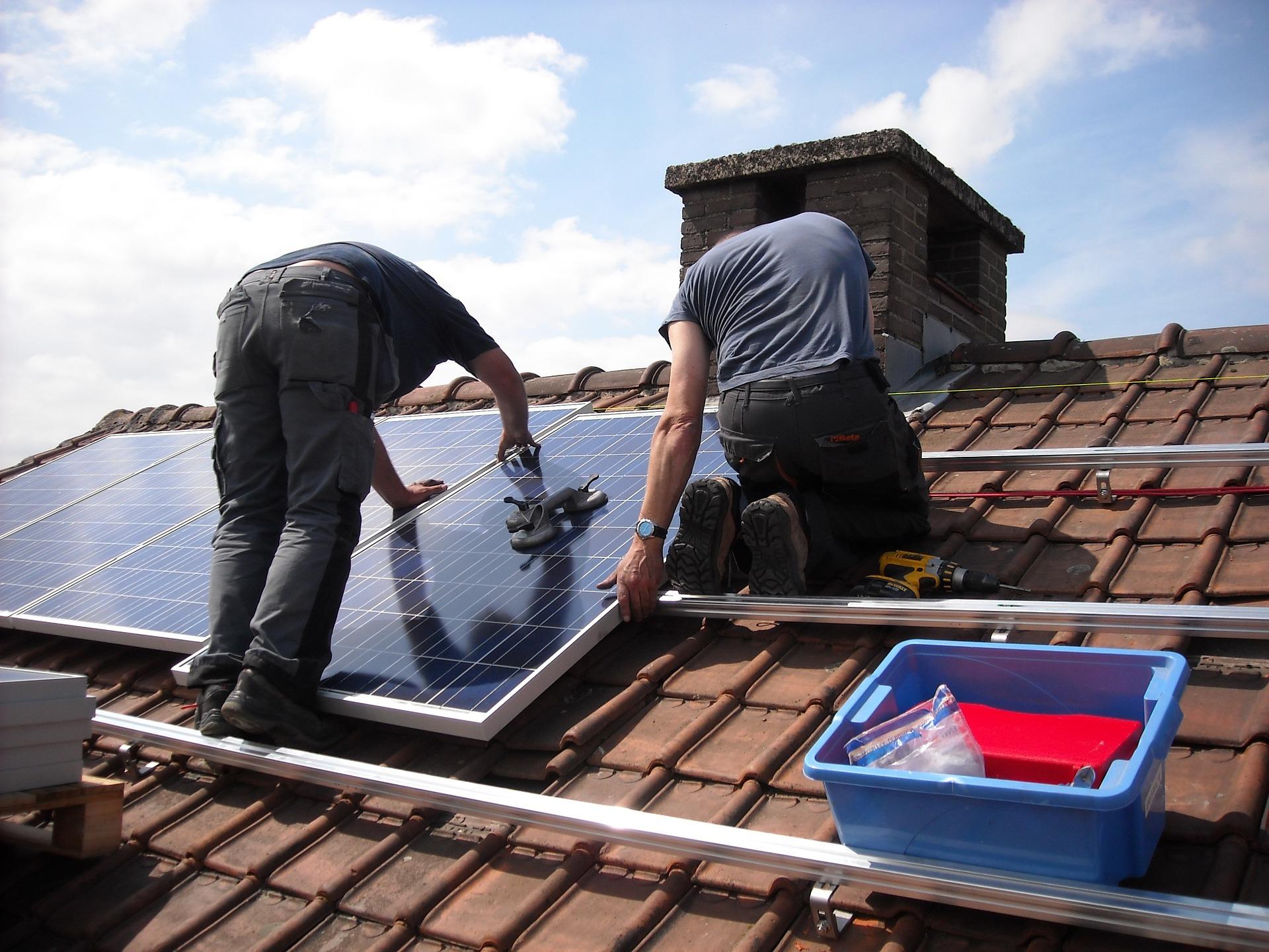 zonnepanelen laten plaatsen