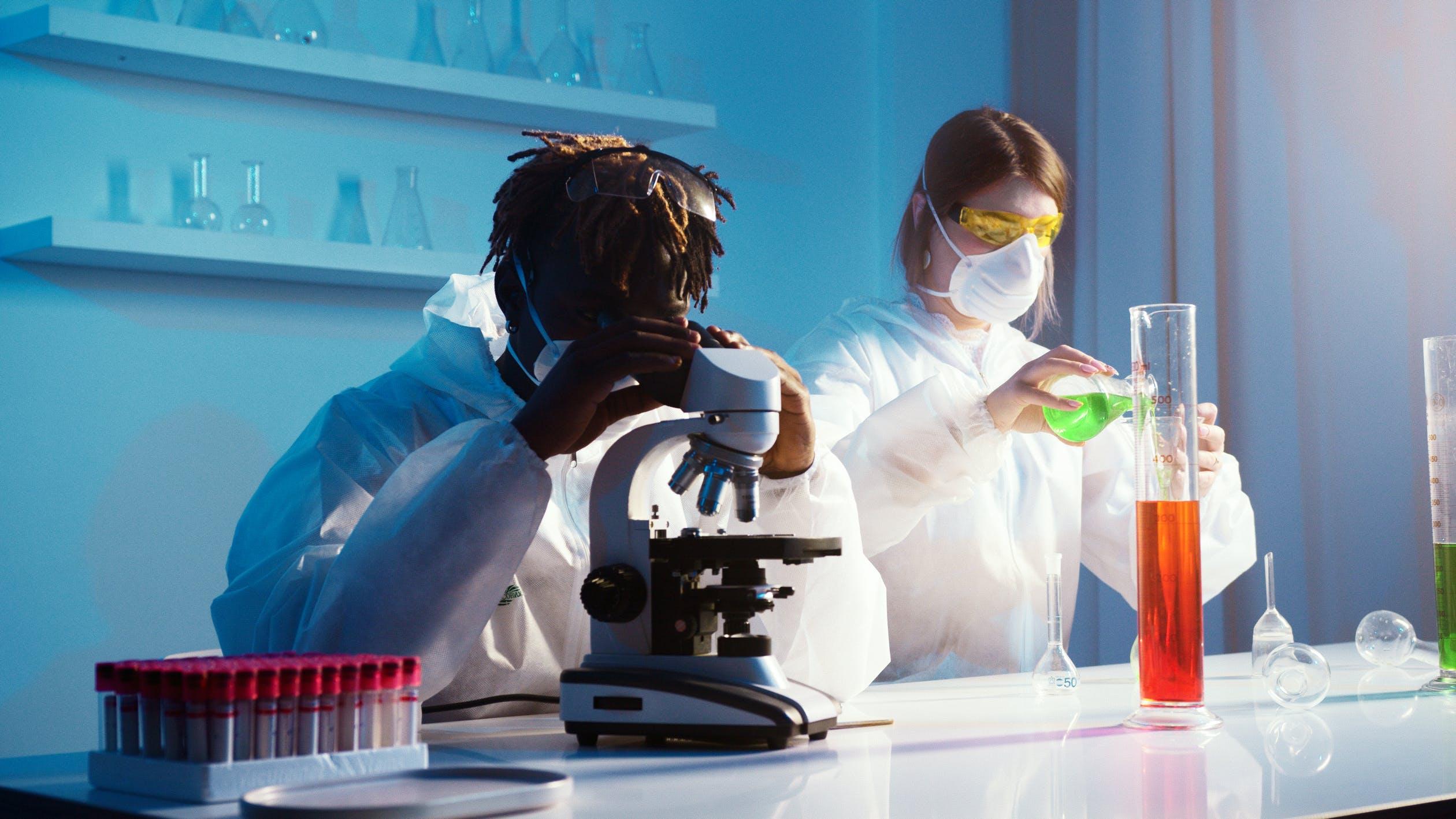 De verschillen tussen Atomic Force Microscopy en Scanning Electron Microscopy